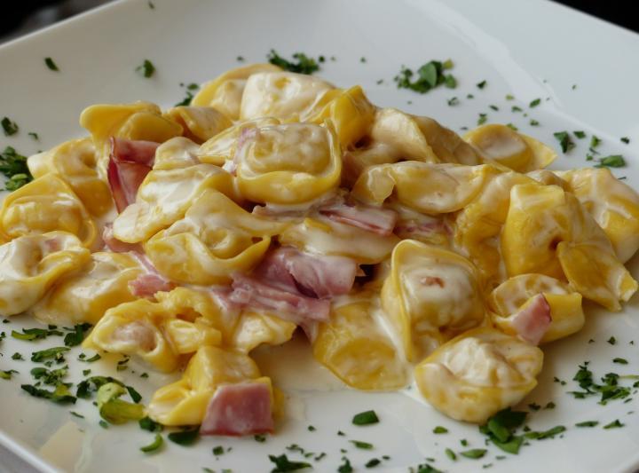 Τορτελίνι με τυρί